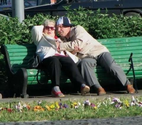 Любовь_пенсионеров.jpg