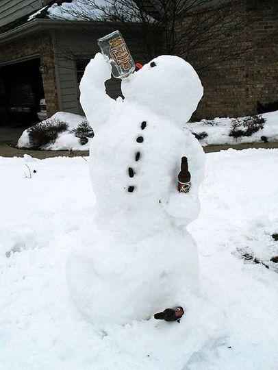 Снеговик-пьяница.jpg